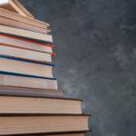 自己投資として読書をする人がいますが読書だけでは時間の無駄です!