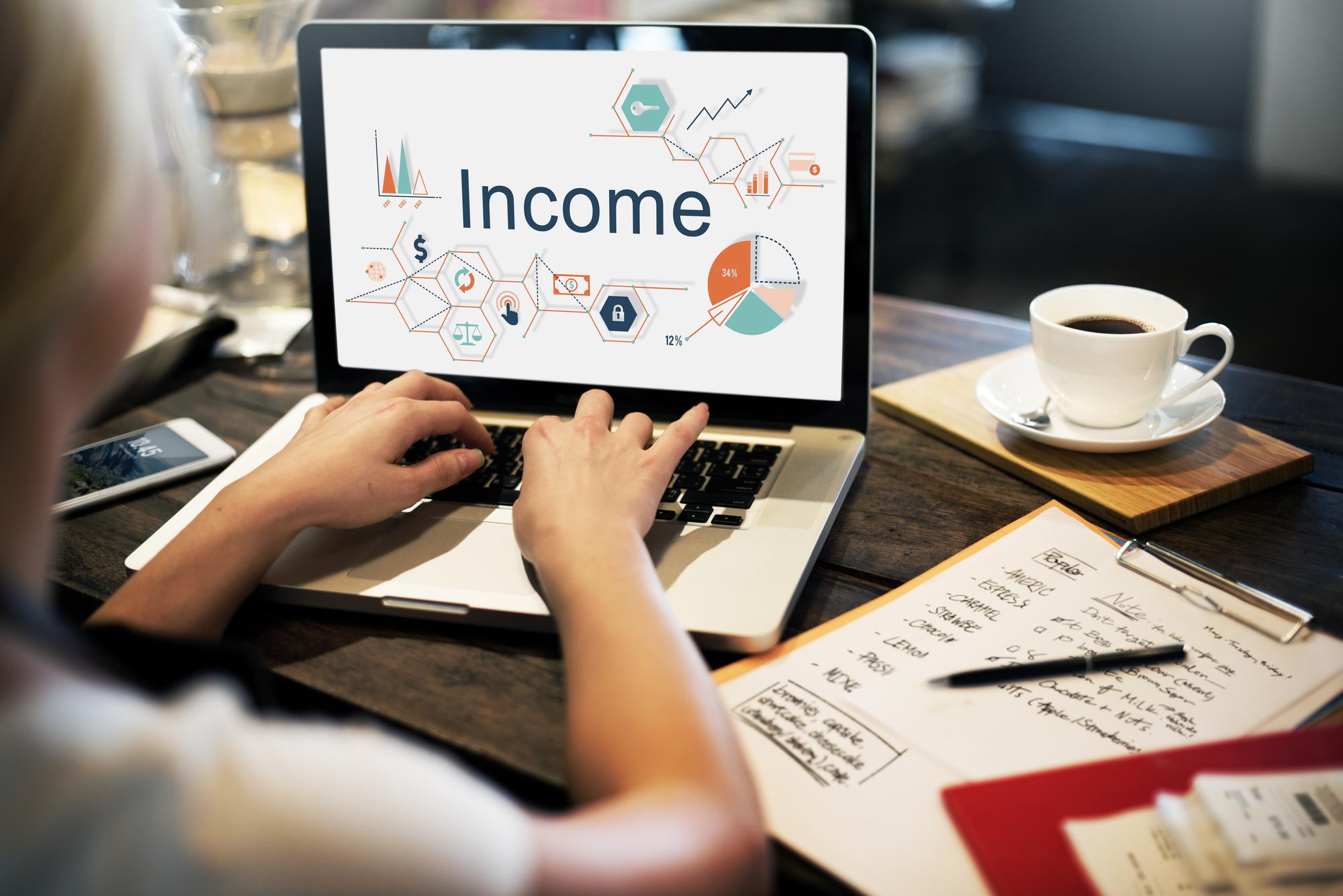 不動産投資はリスクが高い!?実践者がWebサイト運営と比較してみた!