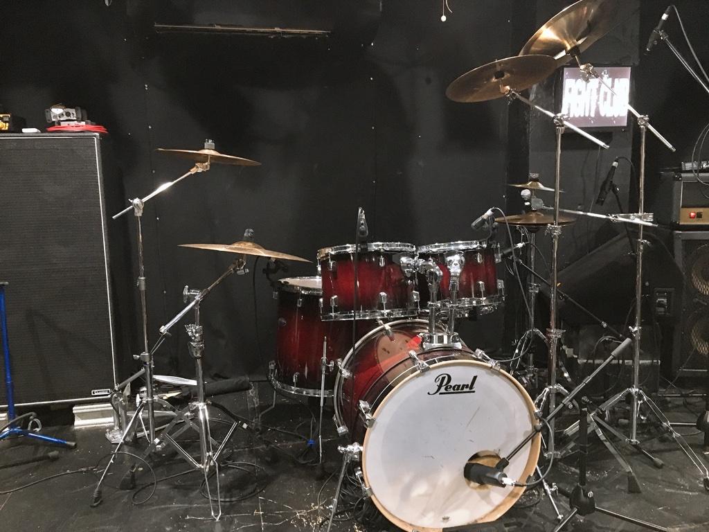 ドラムの練習は基礎を学んだら曲の練習を始めることがおすすめです!